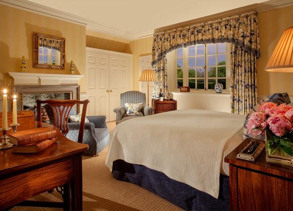 Photo of luxurious bedroom in Greywalls Hotel